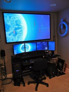 Fantastic and Cool Gaming Desk Setup. Gaming desk setup material selection is mandatory that you should consider as it relates to the strength of the table and the durability of accommodat. Ultimate Gaming Setup, Gaming Room Setup, Gaming Desk, Gaming Rooms, Computer Workstation, Pc Desk, Gaming Computer Setup, Gamer Setup, Computer Coding