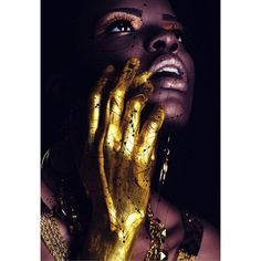 black and gold photography Art Visage, Gold Everything, Or Noir, Black Is Beautiful, Belle Photo, Dark Skin, Brown Skin, Face And Body, Female Art