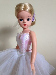 Sindy Ballerina rerooted for Vicki