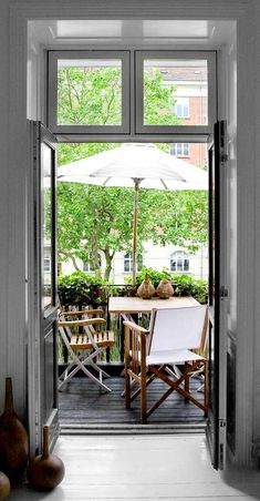 Small Balcony ~ outdoor decorating ideas
