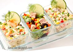 Alaturi de cele Trei salate vegetale  din gama Aperitivelor de Sarbatoare  fac parte si aceste Trei salate cu peste, minunate, in special p...