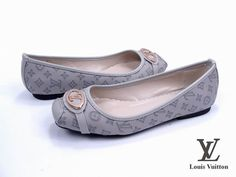 Louis Vuitton Womens Flat Shoes with metal Logo grey leather - $147.90 : Chanel flats,Chanel Shoes Gucci heels online store