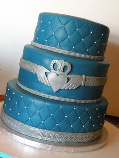 claddagh wedding cake