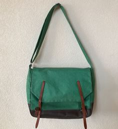 72ed636daa81 ALLY CAPELLINO Waxed Canvas Jeremy  Messenger Book Bag Tote Satchel Green  Unisex  AllyCapellino