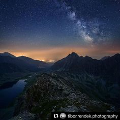 Kôprovský štít v noci....Koprovsky peak at night High Tatras.  #praveslovenske od  @tibor.rendek.photography  #slovakia #slovensko #mountains #landscape #nature #koprovskystit #tatry #nightsky #milkyway #tatramountains #rocks #stars