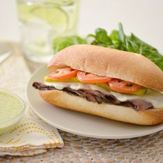 The Brazilian Bauru Sandwich is as popular in Brazil as the BLT is in the U. The sandwich consists of a roll without the soft interior with layers of roast beef, tomatoes and melted mozzarella cheese. Delicious, quick and easy! Hot Sandwich Recipes, Bread Recipes, Sandwich Ideas, Pozole, Mozzarella, Tapas, Ideas Sándwich, Roast Beef Sandwiches, Latest Recipe