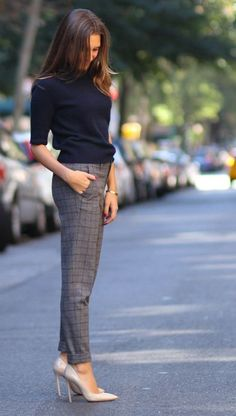 15 Stunning Casual Work Outfits For Women - Eweddingmag.com Chic Winter Outfits, Spring Outfits Women, Casual Work Outfits, Winter Outfits For Work, Office Outfits, Work Casual, Chic Outfits, Winter Chic, Casual Office