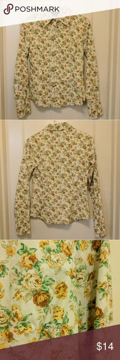 Zara Basic Floral Button Up Hardly worn! Yellow is a little brighter in the photos than in person -- it's meant to have a more vintage/muted color palette. Crispy 100% cotton. Open to bundles and offers! Zara Tops Button Down Shirts