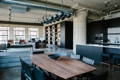Image 1 of 16 from gallery of Arts District Loft / Marmol Radziner. Photograph by Jessie Webster