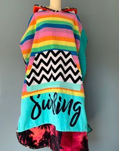 Surf Hoodies, Sweatshirts, Surf Poncho, Surfergirl Style, Mode Style, Sewing Clothes, Couture, Hoods, Sewing Projects