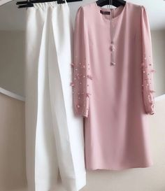 👉 Top fully stitch up to 44 Size & Top length is 46 👉🏻 Plazzo fully stitched up to xxl Size # RATE: 650 + ship . Abaya Fashion, Muslim Fashion, Modest Fashion, Indian Fashion, Fashion Dresses, Trendy Fashion, Modest Dresses, Simple Dresses, Casual Dresses