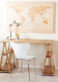 DIY Furniture : DIY Sawhorse Desk love the picture in back! Furniture Projects, Furniture Plans, Home Furniture, Modern Furniture, Easy Diy Projects, Home Projects, Diy Bureau, Saw Horse Diy, Diy Standing Desk