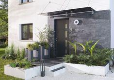 Entrance to a house: design ideas for a stylish exterior Elle Décoration Modern Exterior Doors, Modern Entrance, Modern Front Door, House Entrance, Front Door Decor, Exterior Design, Front Doors, Entrance Ideas, Garden Front Of House