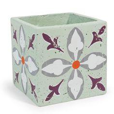 Cache-pot à motifs trèfle en ciment vert H 16 cm LAVANDOU