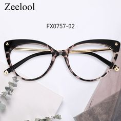This cat-eye eyeglasses are made of plastic material that provides a good fit and comes in translucent & tortoiseshell. Cute Glasses Frames, Funky Glasses, Womens Glasses Frames, Glasses Trends, Lunette Style, Fashion Eye Glasses, Eyeglasses For Women, Cat Eye, Sulcata Tortoise