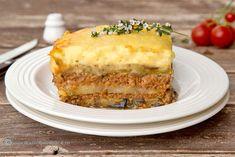 MUSACA GRECEASCA | Diva in bucatarie Romanian Food, Greek Recipes, Lasagna, Carne, Quiche, Tahini, Food To Make, Recipies, Easy Meals
