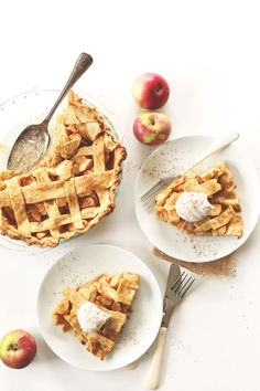 SIMPLE Pumpkin Spiced Apple Pie! 8 ingredients, #vegan and PERFECT for fall!