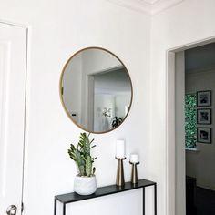 Awesome Stylish Small Entrance Ideas - New Deko Sites Small Entrance Halls, Entrance Hall Decor, Entrance Door Mats, House Entrance, Entryway Decor, Entrance Ideas, Hallway Ideas, Stair Decor, Small Appartment