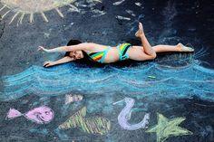 13 Creative Kids' Portraits Made Amazingly Cool With Sidewalk Chalk Chalk Photography, Creative Photography, Photography Ideas, Chalkboard Photography, Summer Photography, Family Photography, Chalk Pictures, Happy Home Fairy, Photo Souvenir