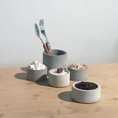 . B-cut - Cylinder series. - #labcrete #concrete #pot #spoonholder #sugar #coffee #folk #spoon #cactus #랩크리트 #콘크리트 #수저통 #다육이 #리톱스 #선인장 #화분 by designlab.crete