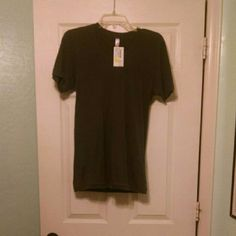 Gray Basic American Apparel Tee This is so adorable! But I didn't like how it fit on me. ?? This would go great with basically anything! Make an offer?? American Apparel Tops Tees - Short Sleeve
