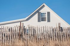 beach picket fence front yard to move in the sand easy. This might be the right choice.