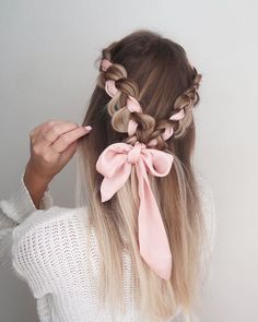 Choosing the right prom hairstyle is a major deal! We have collected 42 pretty prom hairstyles ideas for long hair that will impress anyone. Hairstyles 42 Easy And Pretty Prom Hairstyles Ideas For Long Hair In 2020 Valentine's Day Hairstyles, Easy Hairstyles For Long Hair, Scarf Hairstyles, Pretty Hairstyles, Wedding Hairstyles, Casual Hairstyles, Elegant Hairstyles, Latest Hairstyles, Long Hairstyles