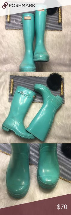 Tiffany Blue Hunter Rubber Boots Super cute Hunter rain boots in this very rare color. Have signs of wear, scuffs and some scratches but they still have lots of life left! There is also some peeling at the very top of the boot. They have the reflectors in the back so this is a kids size. 💥💥💥KIDS SIZING 💥💥💥💥 Hunter Boots Shoes Winter & Rain Boots