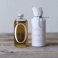Graphic design and packaging: olive oil bottle Olive Oil Packaging, Cool Packaging, Bottle Packaging, Beauty Packaging, Print Packaging, Design Packaging, Product Packaging, Juice Packaging, Branding Design