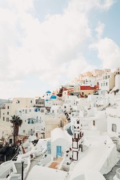 A trip to Santorini should be on everyone's list! Oh The Places You'll Go, Places To Travel, Travel Destinations, Places To Visit, Adventure Awaits, Adventure Travel, Adventure Tattoo, Zakynthos, Belle Villa