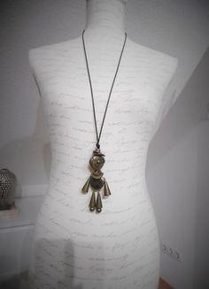 Kaufe meinen Artikel bei #Kleiderkreisel http://www.kleiderkreisel.de/accessoires/ketten-and-anhanger/90614504-lustiges-mannchen-als-anhanger-am-band
