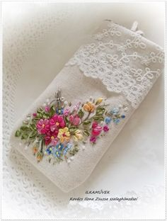 Wonderful Ribbon Embroidery Flowers by Hand Ideas. Enchanting Ribbon Embroidery Flowers by Hand Ideas. Cushion Embroidery, Embroidery Bags, Simple Embroidery, Japanese Embroidery, Hand Embroidery Stitches, Silk Ribbon Embroidery, Hand Embroidery Designs, Embroidery Supplies, Bordado Floral