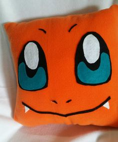 Charmander Pokemon pillow by Artbymayra on Etsy Pokemon Dolls, Pokemon Craft, Pokemon Party, Pokemon Birthday, Pokemon Charmander, Pikachu, Star Wars Quilt, Sewing Crafts, Sewing Projects