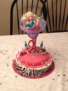 I want a barbie cake. 21st Birthday Cakes, Barbie Birthday, Adult Birthday Party, Birthday Beer, 19th Birthday, Pretty Cakes, Beautiful Cakes, Amazing Cakes, Cake Icing