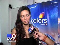 Bigg Boss 8 Halla Bol eliminations : Sana Khan evicted!  Subscribe to Tv9 Gujarati https://www.youtube.com/tv9gujarati Follow us on Dailymotion at http://www.dailymotion.com/GujaratTV9 Like us on Facebook at https://www.facebook.com/tv9gujarati Follow us on Twitter at https://twitter.com/Tv9Gujarat Circle us on Google+ : https://plus.google.com/+tv9gujarat