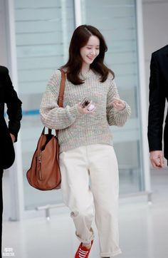 Sooyoung, Yoona Snsd, Snsd Fashion, Asian Fashion, Yuri, Korean Airport Fashion, Red Velvet Irene, Airport Style, Girls Generation