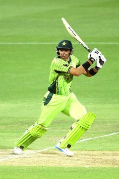 Misbah-ul-Haq waged a lone battle for Pakistan, scoring 76 from 84 balls but kept losing partners before he was the ninth wicket to fall.India v Pakistan, Pool B, Match 4