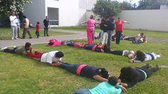 Muestra de actividades corporal con docentes en Zamora, Michoacán