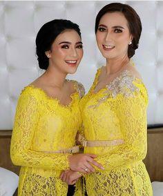 Image may contain: 2 people, people standing Kebaya Lace, Batik Kebaya, Kebaya Dress, Batik Dress, Indonesian Kebaya, Indonesian Wedding, Disney Wedding Dresses, Pakistani Wedding Dresses, Kebaya Sabrina