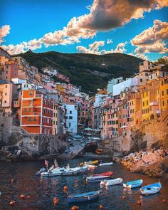"The Travelers Magazine's Instagram photo: ""📍Liguria, Italy. Video credit: @sennarelax @travellingthroughtheworld #ttm #thetravellersmag #TravellersMag #pinkaesthetic #travelling…"" Mexico Vacation Spots, Best Family Vacation Spots, Best Vacations, Best Summer Holiday Destinations, Christmas Mocktails, Hygge Christmas, Travel Magazines, Travel Gifts, Land Scape"