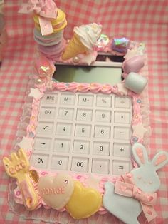 ~Amai seishin shikkan~ decoden calculator I wonder what Mrs. Mullins would do if I did this on my calculator...(: