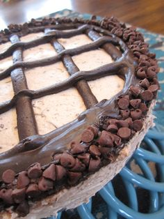 Peanut Butter Chocolate Chunk No Bake Cheesecake - THM Style | time to eat - time to live forever