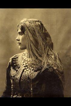 Gypsy woman 1890s