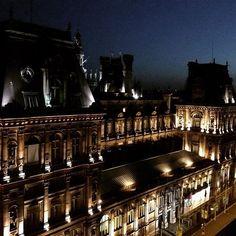 Best rooftop #hotsummer #paris #bhv