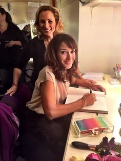 """Jennifer Beals signing Marlee Matlin 's guestbook for """"Spring Awakening"""" Broadway Musical Spring Awakening Broadway, Marlee Matlin, Mia Kirshner, Kristy Mcnichol, Alex And Piper, Sister Day, Jennifer Beals, The L Word, Long Lashes"""