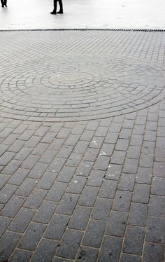 Circular and running bond brick patio design