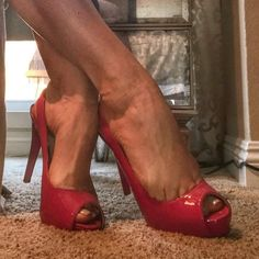 @onfirefit #feetporn #feetfetish #shoesporn #highheels #feetjob #sexyfeet #feetporn #sexywoma #shoes #solesfetish #highheelshoes #shoesjob #passionfeet #shoeslove18