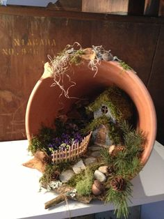 DIY garden pots project on a budget 37 - Diy Garden Projects Mini Fairy Garden, Fairy Garden Houses, Diy Garden, Garden Crafts, Garden Projects, Garden Art, Fairy Gardening, Organic Gardening, Container Gardening