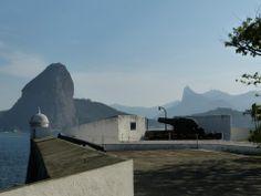 Fortaleza de Santa Cruz - Niteroi/Rio de Janeiro / Brazil Mount Rushmore, Opera House, Mountains, Building, Nature, Santa Cruz, Viajes, Brazil, Fortaleza