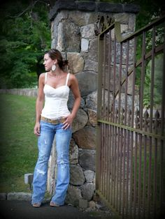 Corset Top + Destroyed Jeans